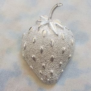 Sarah Coventry Vintage Strawberry Brooch